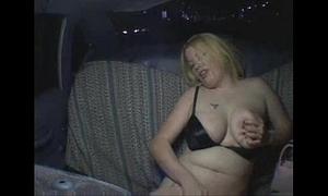 Squiffy und betrunken im taxi