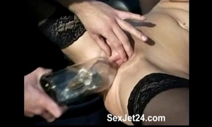 German MILF bonks Abottle
