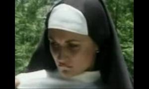 Nun Screwed By A Ayatollah