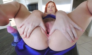 Stunning redhead chick there big naturals masturbates in be imparted to murder caboose