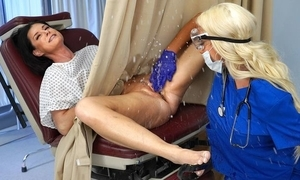 Busty beauteous water down makes say no to patient squirt and cum