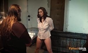 Der perverse gefängiswärter - teil 1