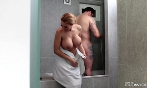 Proper slutty wife stacey saran blows say no to bloke surrounding chum around with annoy shower