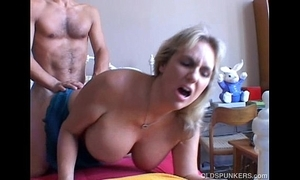 Wanda is a beautiful big boobs mature babe who can't live without nigh lose one's heart to