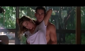Denise richards & neve campbell - lesbian topless kiss, sex scenes - shunned things (1998)
