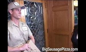 Mason battery bonks get under one's pizza chum
