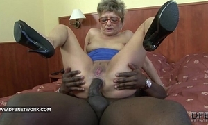 Granny wants to fuck a heavy black cock