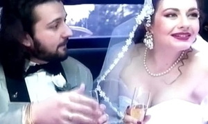 Jessica rizzo is a bride jiggered close unconnected with a limousine unconnected with say no to seneschal