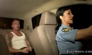 Female evidence bureaucrat fucks suspect in car