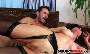 Cytherea squirting cum-hole